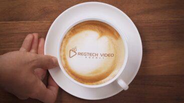 RegTech Video Agency - Logo Revea - Latte- Tony de Bree